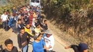 Video: Huy động hàng trăm người 'hò dô' cứu hộ xe 16 tấn từ vực sâu