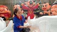 Video: Tất bật chuẩn bị các tiểu cảnh đường hoa Nguyễn Huệ Tết Tân Sửu 2021