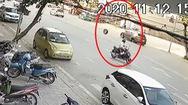 Video: Bánh ôtô văng ra khỏi xe, tự 'tìm đường' vào cửa hàng