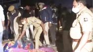 Video: Nằm ngủ bên vệ đường, 15 người bị xe ben cán chết