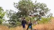 Video: Phát hiện thi thể người đàn ông chết khô trong lùm cỏ