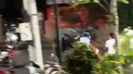 Video: Điều tra vụ nhóm người xông vào chém chủ quán bị thương nặng ở Đồng Xoài