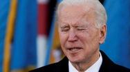 Video: Khoảnh khắc ông Biden bật khóc, tạm biệt quê nhà và tưởng nhớ con trai quá cố