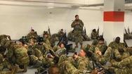 Video: Tổng thống Biden xin lỗi vì Vệ binh Quốc gia phải ngủ trong hầm gửi xe