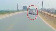 Video: Truy tìm tài xế ô tô tông người phụ nữ mang bầu rồi bỏ chạy