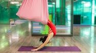 Bài tập mở lưng trên với yoga dây giúp cột sống linh hoạt, trẻ hóa cơ thể