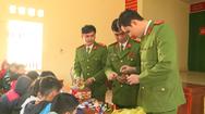 Video: Kiểm điểm 17 học sinh ở Thanh Hóa làm pháo nổ từ hộp diêm rồi đem bán