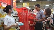Chuyển động thị trường | Khách hàng hưởng lợi từ cuộc chiến giữa bánh kẹo nội địa và ngoại nhập