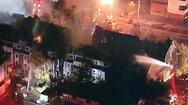 Video: Cháy lớn thiêu rụi 83 căn hộ chung cư ở Mỹ, nhiều người bị kẹt bên trong