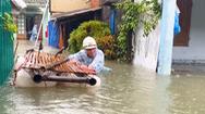 Video: Lũ về bất thường, nước ngập hơn nửa nhà ở Quảng Nam