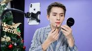 Video: 'Ông hoàng son môi' lập kỷ lục bán gần 2 tỷ USD hàng hóa trong 12 tiếng livestream