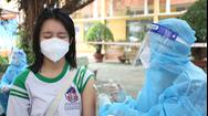 Video: Sáng nay học sinh Củ Chi phấn khởi đi tiêm vắc xin phòng COVID-19