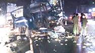 Video: 2 xe tải 'đấu đầu' 1 tài xế mắc kẹt trong cabin, tử vong tại chỗ