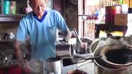 Video: Quán cà phê 114 năm giữ nguyên giá, tính ra tiền Việt 11.000 đồng một ly