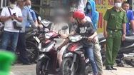 Video: Đưa nghi phạm 'vụ giật túi xách 2 người tử vong' ở TP.HCM đến hiện trường