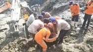 Video: Tìm kiếm nạn nhân vụ sập mỏ vàng chết nhiều người ở Indonesia