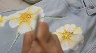 Góc nhìn trưa nay | Lớp học vẽ tranh trên vải miễn phí ở Sài Gòn