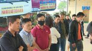 Video: Xe khách Nghệ An bỏ bến phản đối xe 'dù', xe chạy vượt tuyến