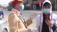 Video: Tài xế 'livestream kiểm tra nồng độ cồn' bị phạt hơn 40 triệu đồng