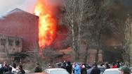 Video: Cháy lớn ở nhà máy lịch sử của Nga, một lính cứu hỏa tử vong