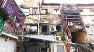 Video: Khó tin nổi trước hình ảnh những chung cư quá nguy hiểm ở Hà Nội