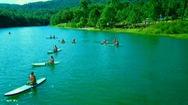 Góc nhìn trưa nay | Chèo thuyền ngắm cảnh đẹp giữa lòng hồ Tuyền Lâm