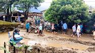 Video: Lũ ống ập đến trong đêm, 2 người chết, 1 người mất tích ở Lào Cai