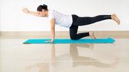 Video: Kéo giãn lưng dưới với bài tập yoga phục hồi hiệu quả