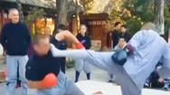 Video: Nhà sư Thiếu Lâm Tự tung cú đá nhanh như chớp vào võ sĩ lừng danh người Mỹ