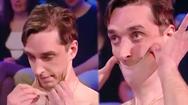 Video: Lập kỷ lục Guinness Thế giới nhờ khả năng căng da độc đáo
