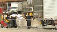Video: Còn hàng trăm thi thể bệnh nhân COVID-19 bảo quản trong xe tải đông lạnh ở Mỹ