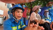 Video: Công nhân môi trường Hà Nội 'vay nợ' bên ngoài trang trải vì bị công ty nợ lương