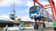 Video: Thêm 2 đoàn tàu metro số 1 về đến cảng Khánh Hội