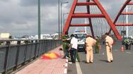 Video: Điều tra vụ người đàn ông chết tại cầu Bình Lợi, trên người có nhiều vết thương