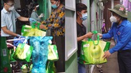 """Tiếp tục hành trình trao """"giỏ quà nghĩa tình"""" đến người dân TP.HCM"""