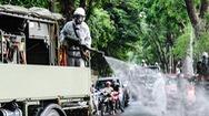 Video: Bắt đầu phun khử khuẩn đường phố Hà Nội