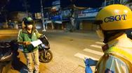 Video: Nhiều người ra đường sau 18h ở TP.HCM, CSGT yêu cầu đọc to qui định để nhớ kỹ, không vi phạm nữa