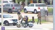 Video: Một cảnh sát bị đâm chết ở trạm xe buýt gần Lầu Năm Góc
