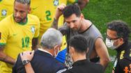 Video: Phản đối nhân viên y tế và cảnh sát Brazil, Messi cùng các cầu thủ Argentina ngừng thi đấu