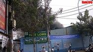 Khói lửa bao trùm công ty sản xuất mút xốp