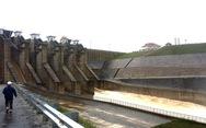 Huế xả nước ứng phó bão số 13, cấm tàu thuyền trên sông Hương