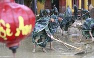 Điều 500 bộ đội khẩn trương dọn vệ sinh Hội An chuẩn bị APEC