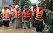 Phó thủ tướng về thăm bà con vùng rốn lũ Quảng Ngãi