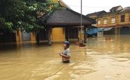 Hội An 'nín thở' chờ nước lũ rút để xoay xở cho APEC