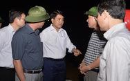 Chủ tịch Hà Nội đi kiểm tra phòng lũ trong đêm