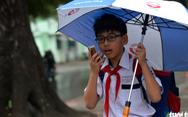 Nhiều trường ở Sài Gòn cho học sinh nghỉ sớm tránh bão Tembin