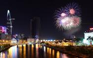 TP.HCM bắn pháo hoa 4 điểm mừng năm mới 2018