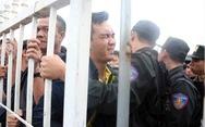 Báo chí Thái Lan ngạc nhiên với cảnh chen chúc mua vé xem bóng đá ở VN