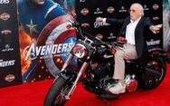 Stan Lee - cha đẻ vũ trụ điện ảnh siêu anh hùng Marvel đã qua đời