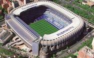 Real Madrid lắp TV trên bồn tiểu nam ở sân Bernabeu